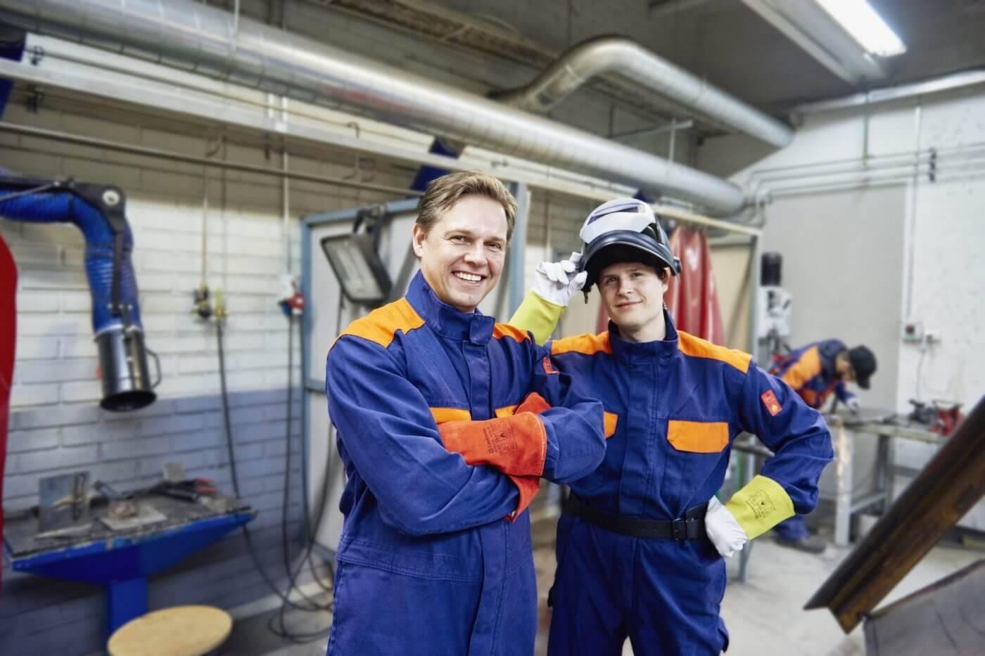 Zaštitne radne hlače, kombinezoni i košulje za zaštito na radu
